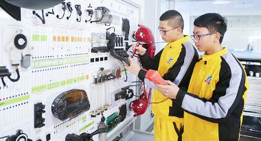 汽修培训学校-电器电控实训